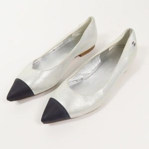 CHANEL METALLIC SILVER  AND BLACK FLATS (66841)